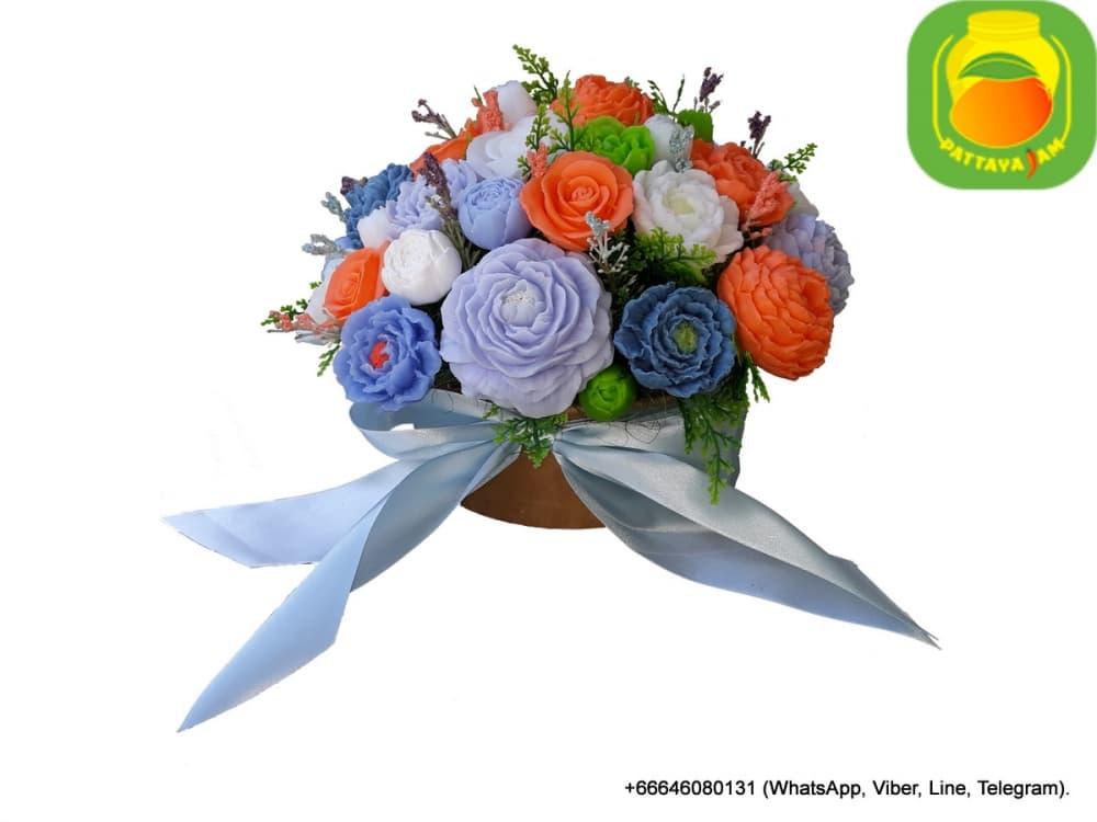 Букет из мыла ручной работы - голубые, синие, оранжевые пионовидные розы. Композиция № 20.