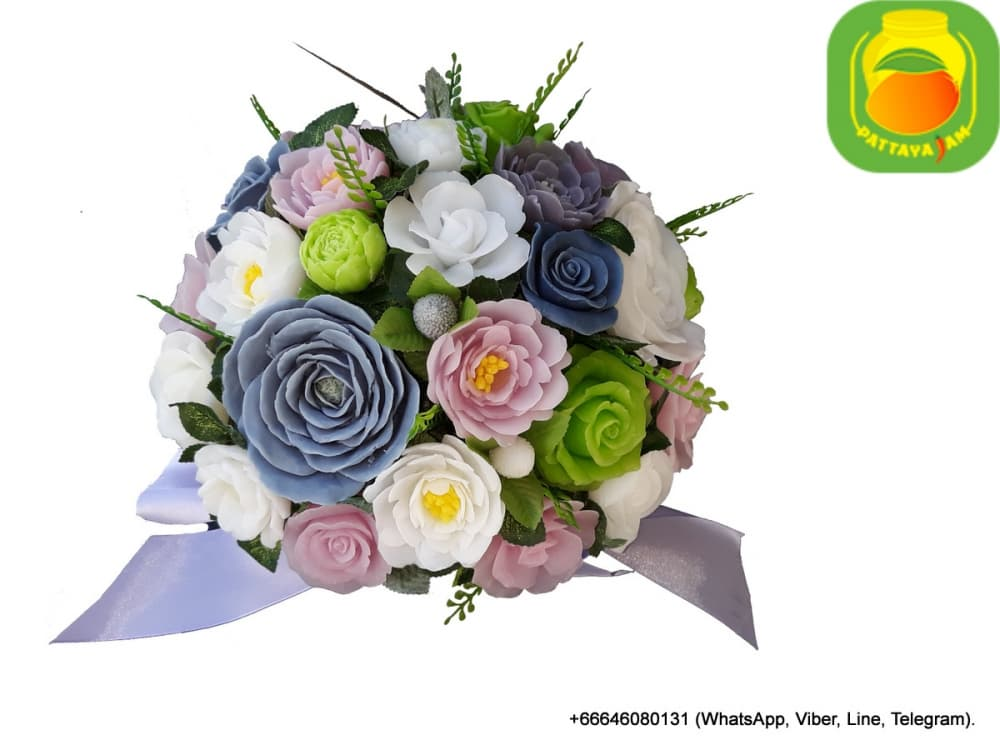 Букет из мыла ручной работы - розы и садовые цветы. Композиция № 24.