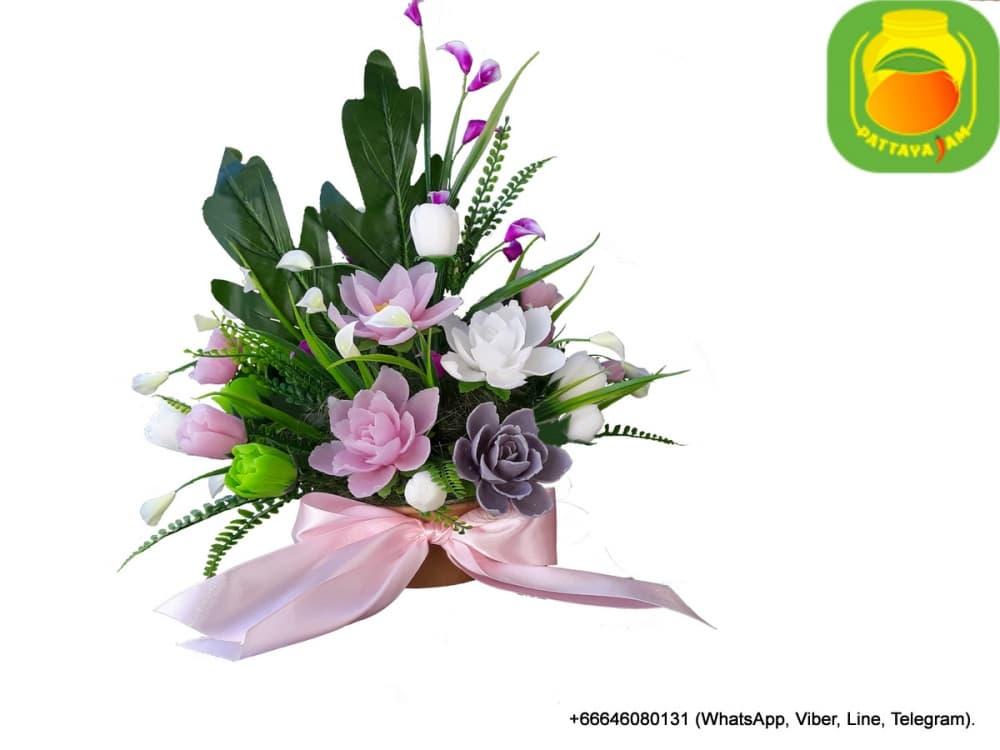 Букет из мыла ручной работы - кувшинки, лилии, тюльпаны. Композиция № 4.