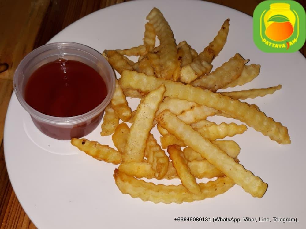 Гарнир - картофель фри.
