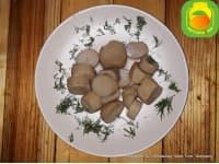 Маринованные грибы.
