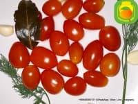 Маринованные помидорки черри.