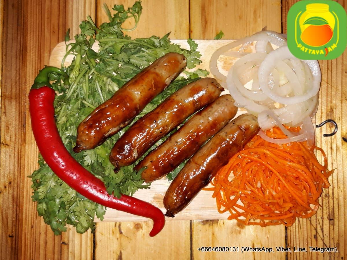 BBQ Мелкие колбаски из свинины, со специями, сильно обжаренные, к пиву.